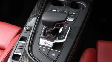 Audi S5 Cabriolet - gear selector