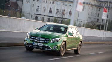 Mercedes GLA 2017 facelift front tracking