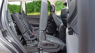 Ford Galaxy - middle seat
