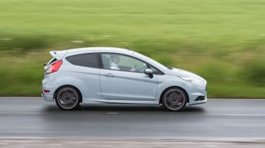 Ford Fiesta ST200 - side tracking