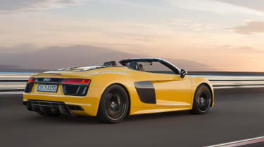 Audi R8 Spyder 2016 official - rear tracking