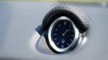 Maserati Ghibli Hybrid - clock