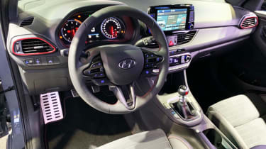 Hyundai i30 Fastback N - Paris dash