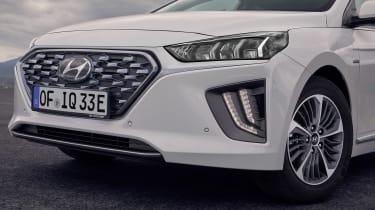 Hyundai Ioniq Plug-in - grille