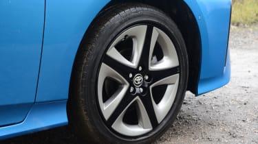 Toyota Prius - wheel