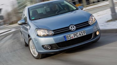 VW Golf Plug-in Hybrid front cornering