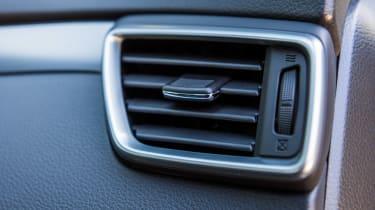 New Nissan Qashqai 2017 review vents
