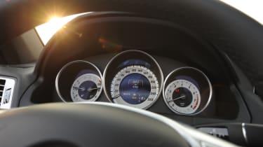 Mercedes E400 Cabriolet dials
