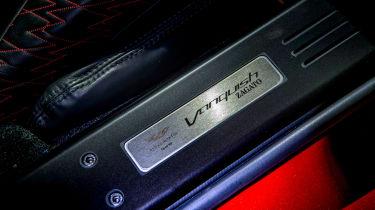 Aston Martin Vanquish Zagato - sill