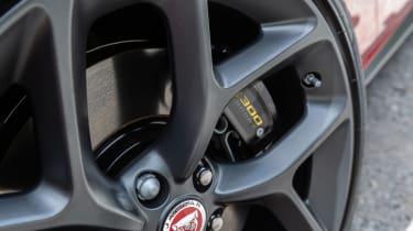 Jaguar XE 300 Sport - wheel