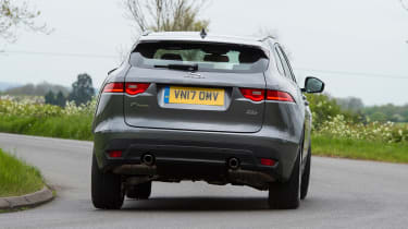 Jaguar F-Pace 25t - rear action