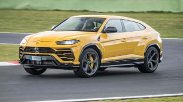 Lamborghini Urus - track front