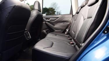 Subaru Forester e-Boxer - rear seats