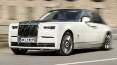 Rolls-Royce Phantom - town driving