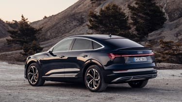 Audi e-tron Sportback - rear action