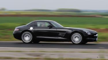 Mercedes SLS AMG profile