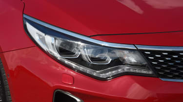 Kia Optima Sportswagon - front light detail