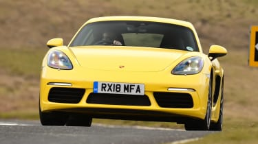 Porsche 718 Cayman - front action