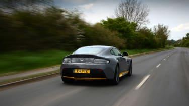 Aston Martin V12 Vantage S - rear action