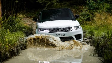 Range Rover Sport PHEV - front off-road