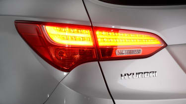Used Hyundai Santa Fe - rear light