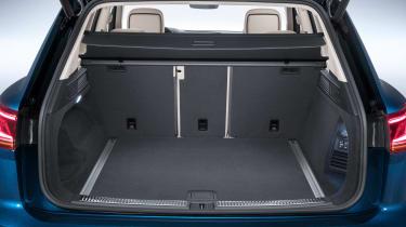 Volkswagen Touareg - boot