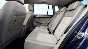 Volkswagen Golf SV BlueMotion TSI 2016 - rear seats