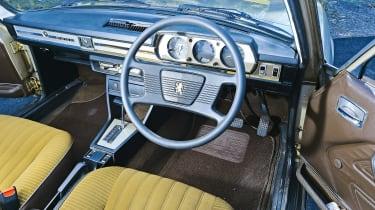 Peugeot 504 - cabin