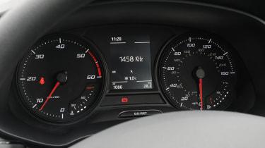 SEAT Leon SC dials