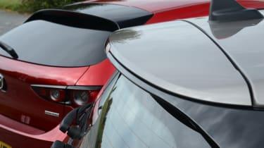 MINI Clubman vs Mazda 3 - detail