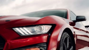 Ford Mustang Shelby GT500 - front light