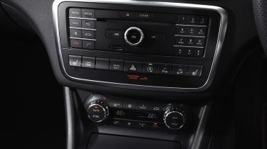 Mercedes GLA - centre console