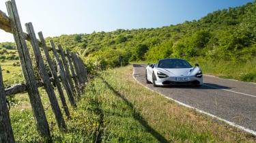 McLaren 720S - panning