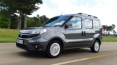 Fiat Doblo 2016 - front tracking