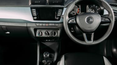 Skoda Fabia Colour Edition - dash