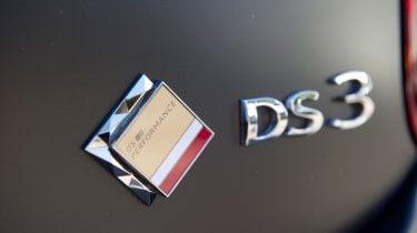 DS 3 Performance review 2016 - badge