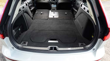Volvo V60 - boot seats down