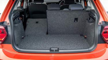 Volkswagen Polo 1.0 MPI - boot seat down