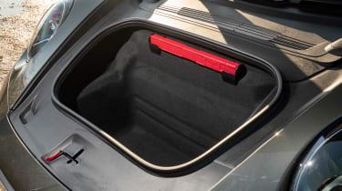 Porsche 911 Carrera - boot