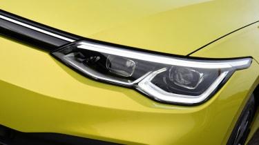 Volkswagen Golf Estate - front light
