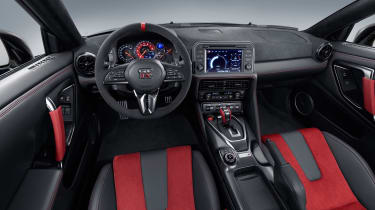 Nissan GT-R NISMO - dash