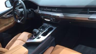 Audi SQ7 red - interior 2