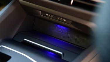 Volkswagen Golf GTI - storage