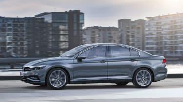 Volkswagen Passat - side action