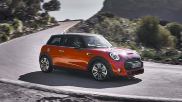 MINI Hatch - side cornering