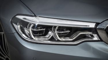 BMW 530d Touring - front light detail