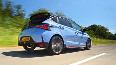 Hyundai i20 N - rear tracking