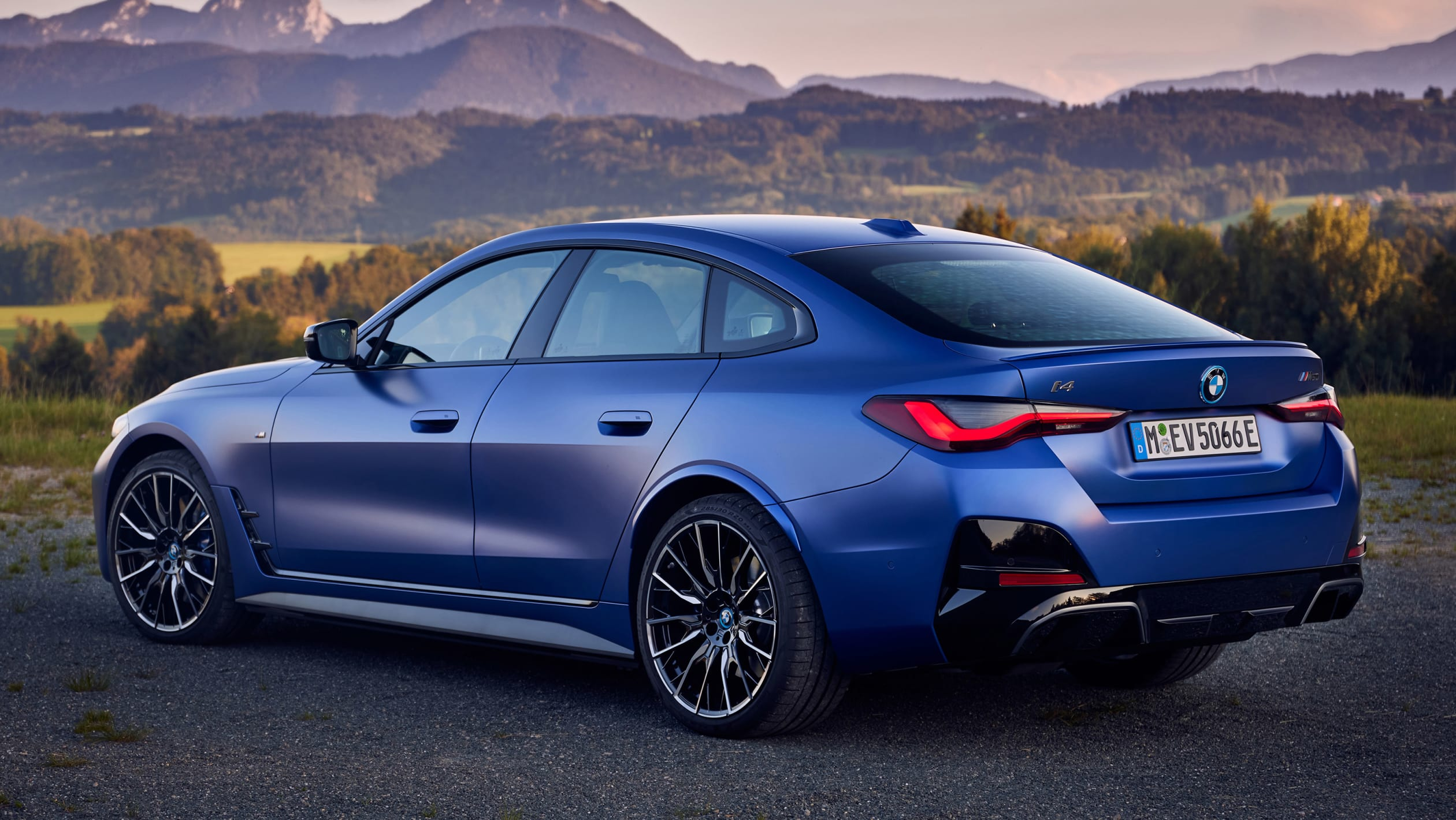 BMW%20i4%202021 8