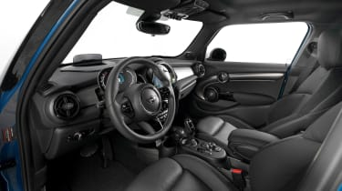 MINI 5-door hatch facelift - cabin