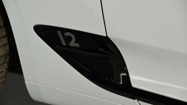 Bentley Continental GTC - studio side detail